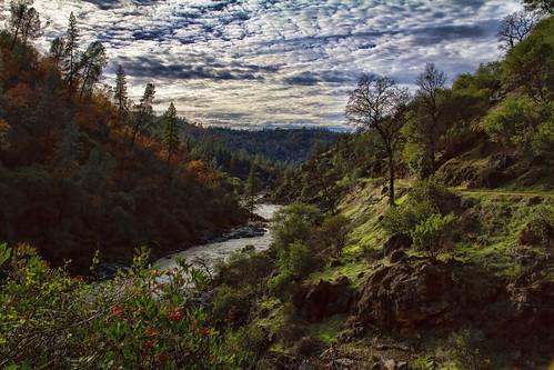 autumn fall northerncalifornia river landscape bridgeport nevadacounty sierranevadarange sierranevadafoothills buttermilktrail canon7d lightroom4 topazsw yubariversouthfork