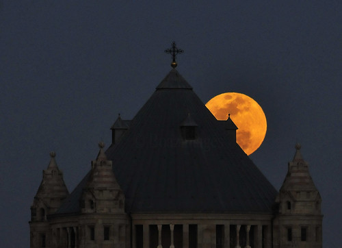 moon church abbey easter israel jerusalem moonrise dormition boazimages
