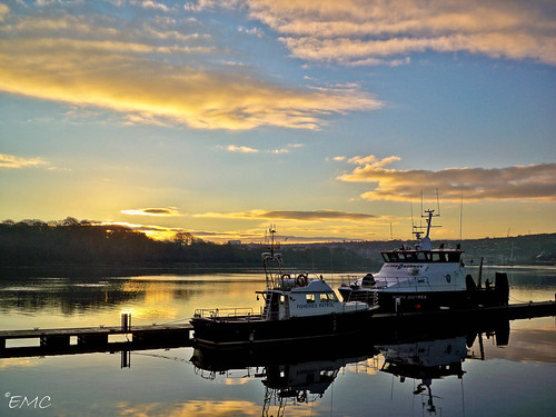 sky seascape water clouds port sunrise reflections river boats dawn pier nikon scenery jetty shoreline scenic places quay coastal londonderry northernireland derry ulster waterscape foyle bythesea riverfoyle coastalview coastalireland timberquay d3100 nikond3100