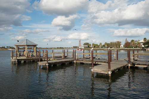 sky sun seagulls lake water birds clouds docks florida thevillages lakesumter sumterlanding d8e0359