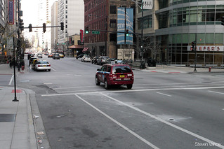Dearborn Street cycle track signals | by Steven Vance