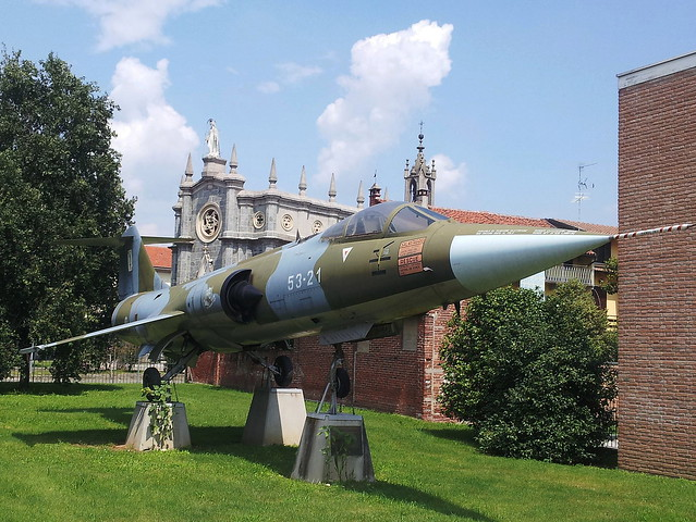 F-104S-ASA Starfighter MM6840/53-21 ex Italian-Air-Force/ Aeronautica-Militare/ AM. (53Stormo/ 21Grupo markings). Preserved, Galliate, Italy, 07-08-2014. (No serial worn)