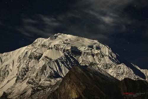 moon mountain snow night start photography nikon long exposure peak nikkor rakaposhi 70200 hayat diran d800 usman uhayat