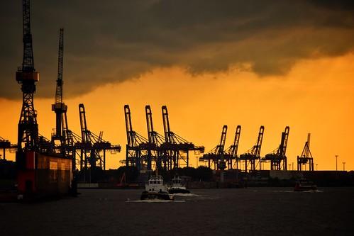 paddybb nikond5300 2016 silhouette harbour wasser hamburg germany water seascape sky boat cityscape industrial hafen crane kran sonnenuntergang
