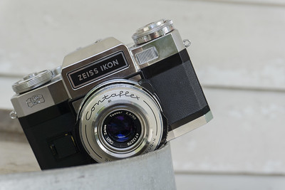 CCR Review 48 – Zeiss Ikon Contaflex Super B – Alex Luyckx
