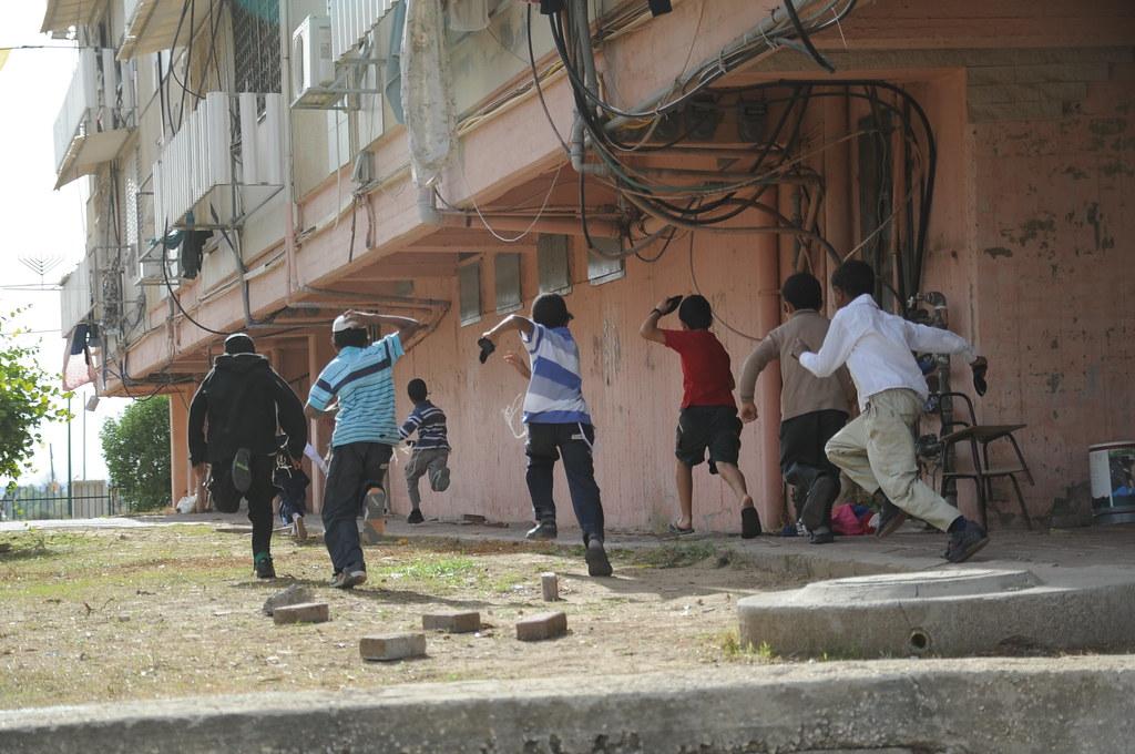 Children in Town Under Fire by Rockets from Gaza | November … | Flickr