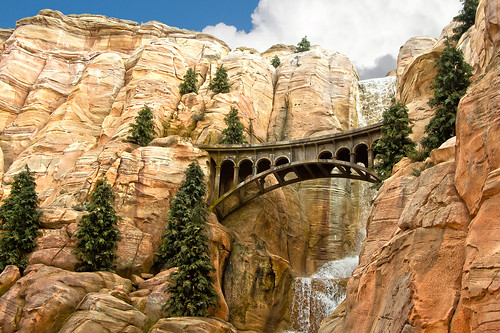 california bridge cars monument rock canon landscape photo waterfall highway disneyland disney 66 adventure formation route ornament photograph springs valley 7d land 40 radiator cicular disneycalifornia carsland