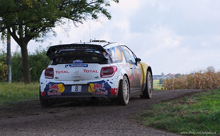 Thierry Neuville - 8   by Mikael Nicol