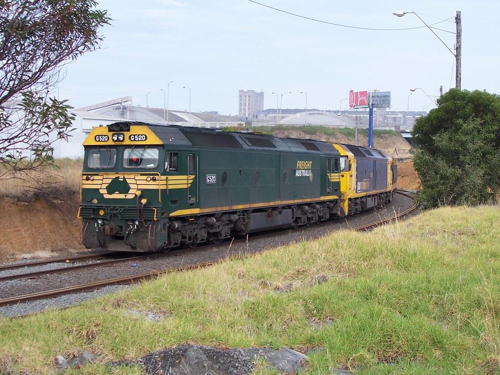 G520, G540 at North Geelong by Alan Greenhill