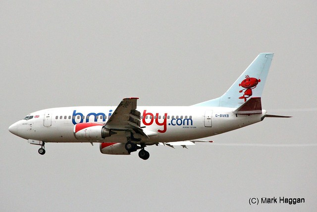 A bmibaby Boeing 737 on approach to East Midlands Airport