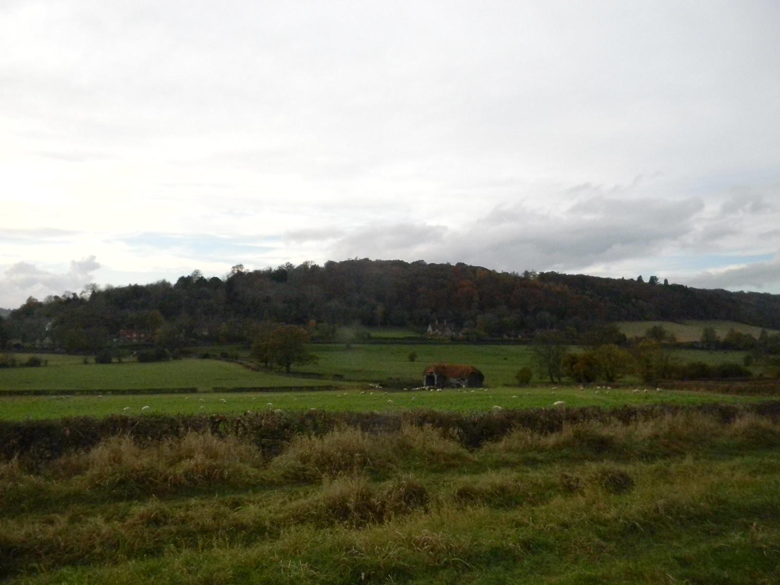 nice barn Henley Circlular via Hambleden (short)
