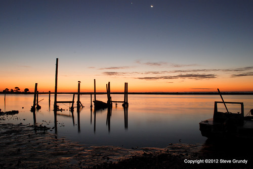 morning usa moon color pelicans water birds clouds sunrise reflections boats dawn early fishing colorful venus unitedstates florida south southern ripples eastpoint apalachicola gulfcoast apalachicolabay theforgottencoast floridapanhandle