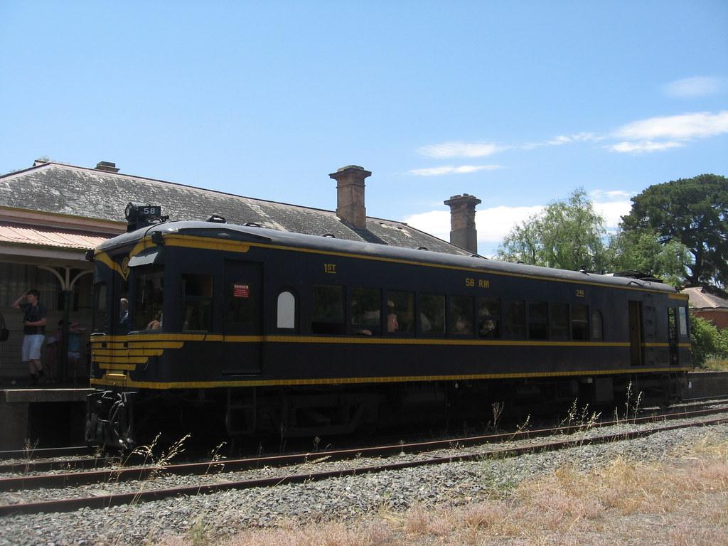 58RM Inglewood by Coolibah Rail