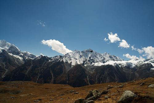nepal mountain mountains travelling trekking trek walking asia buddhism tibet backpacking himalaya himalayas langtang tserkori carlzeissdistagont2821zf2