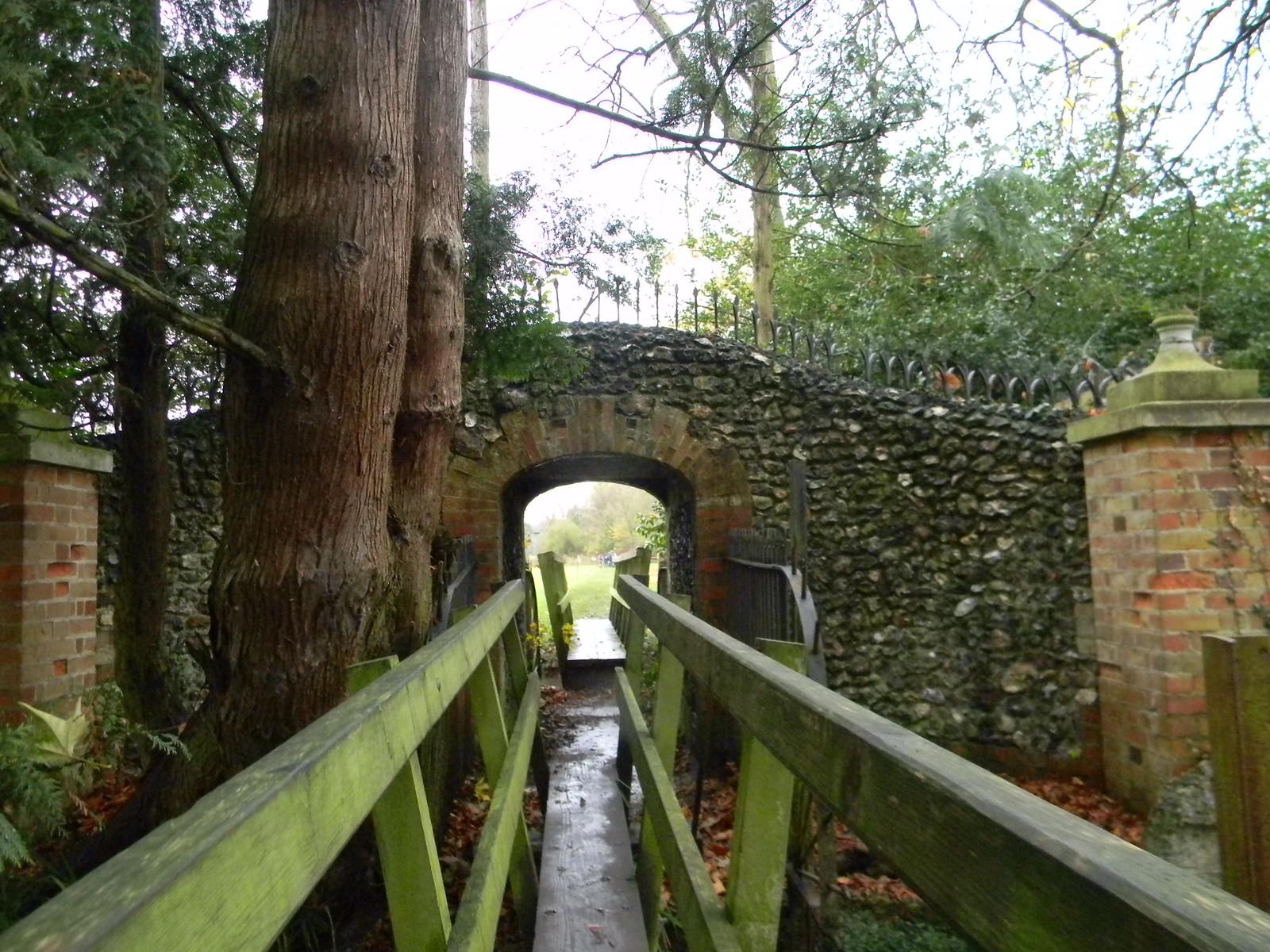 Crossing streams Henley Circlular via Hambleden (short)