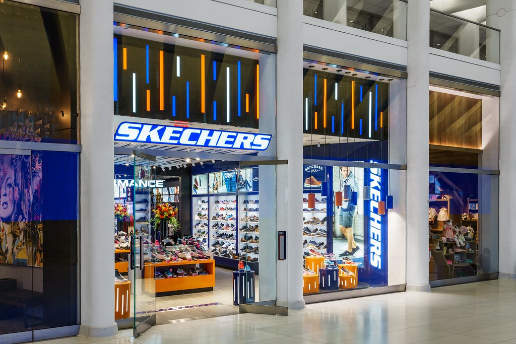 Skechers World Trade Center, New York (Illum. glass moun