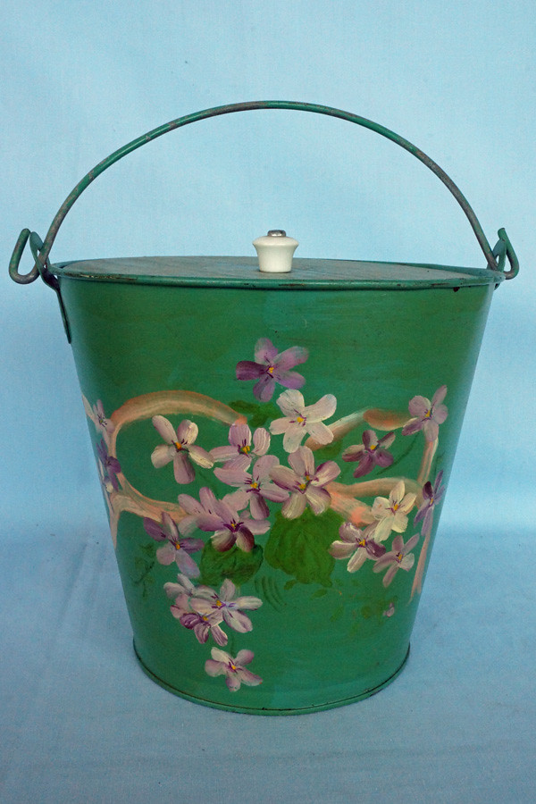 DSC01207 Hand Painted Galvanized Tin Bucket