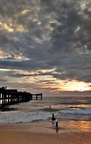 cameraphone sunset beach silhouette pier scenery sundown mobilecamera dri trivandrum southindia 808 thiruvananthapuram südindien valiyathura pureview nokia808pureview nokiapureview808