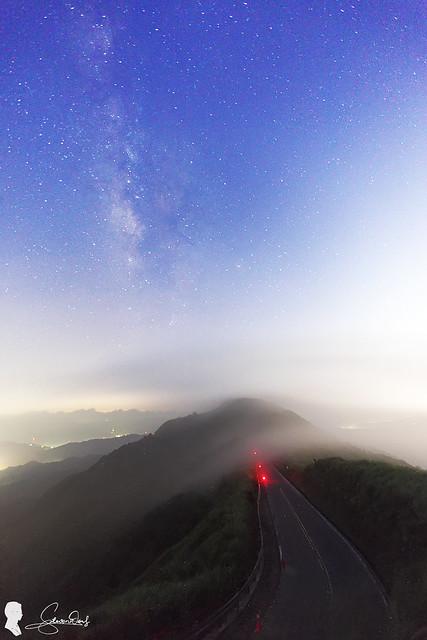Milky Way. Buyen Pavilion 不厭亭銀河 & 過山雲