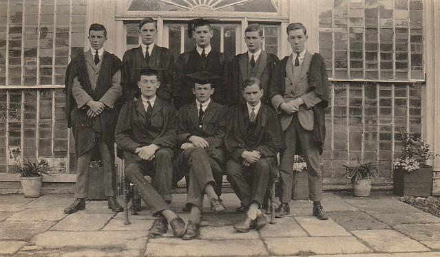 Prefects in 1924 : Back - Clifford, Lisney, Synge, Gwynn, Jones, Front - Martin, Jeffares, Craig