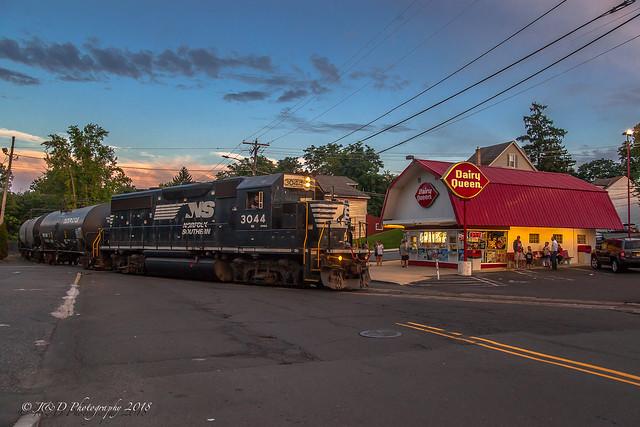 NS EMD GP40-2 #3044 @ Morrisville, PA