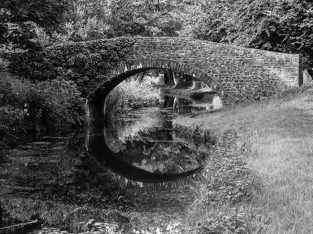 Glynneath Canal B&W