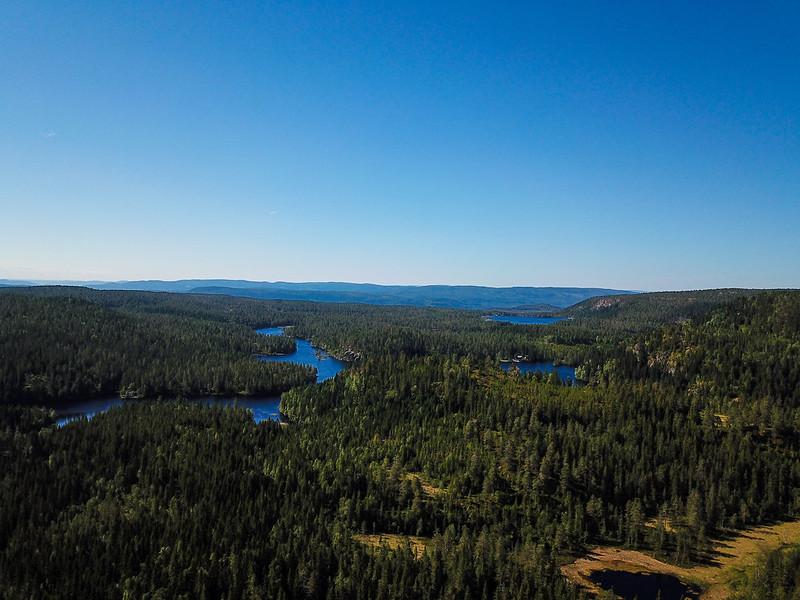 09-Utsikt mot Vrangen og Mellomdammen (drone)