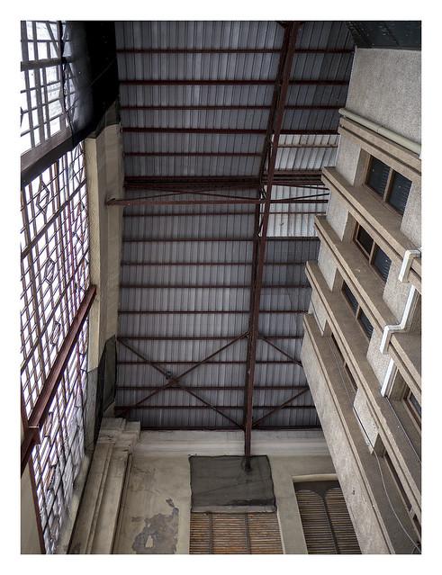 Inside Tinglado 2 (València)