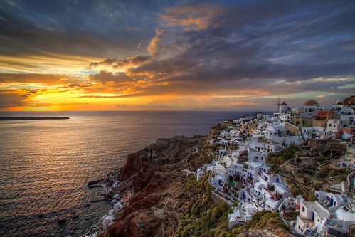 Sunset over Oia | by to2hov