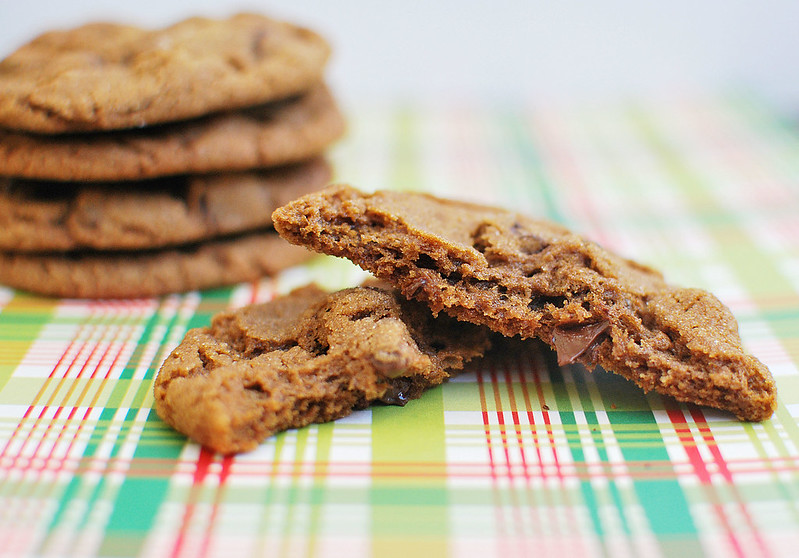 Chewy Chocolate Gingerbread Cookies - chewy gingerbread cookies with gooey chocolate mixed in! Santa's going to love these!
