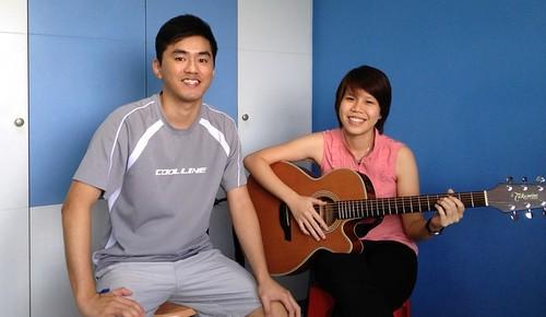 1 to 1 guitar lessons Singapore Yingyi