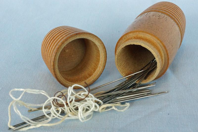 DSC01941 Antique Turned Wood Sewing Needle Holder Case