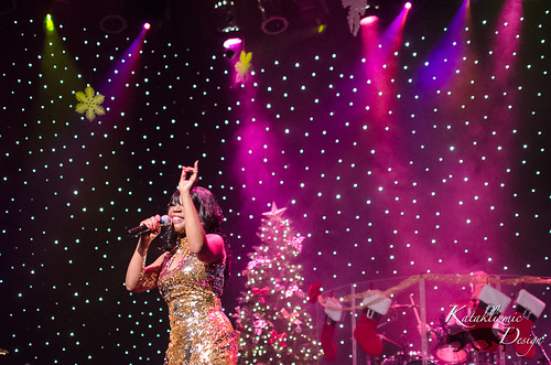 Natalie Cole Impressionist - Showstoppers Live! Holiday Spectacular