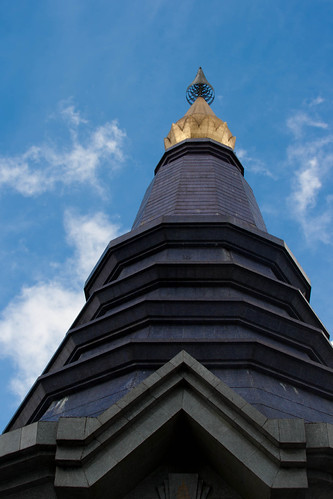 2012-11-23 Thailand Day 05, Phra Maha Dhatu Nabha Metaneed & Phra Maha Dhatu Nabhapol Bhumisiri, Doi Inthanon National Park | by Qsimple, Memories For The Future Photography