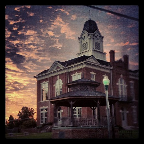 sunset fall courthouse arkansas paragould uploaded:by=flickstagram instagram:photo=293636508145609754896722 instagram:venue_name=greenecountycourthouse instagram:venue=12291251