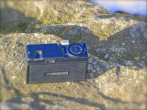 camera instamatic revue cartridge 126film mat12 revuemat12