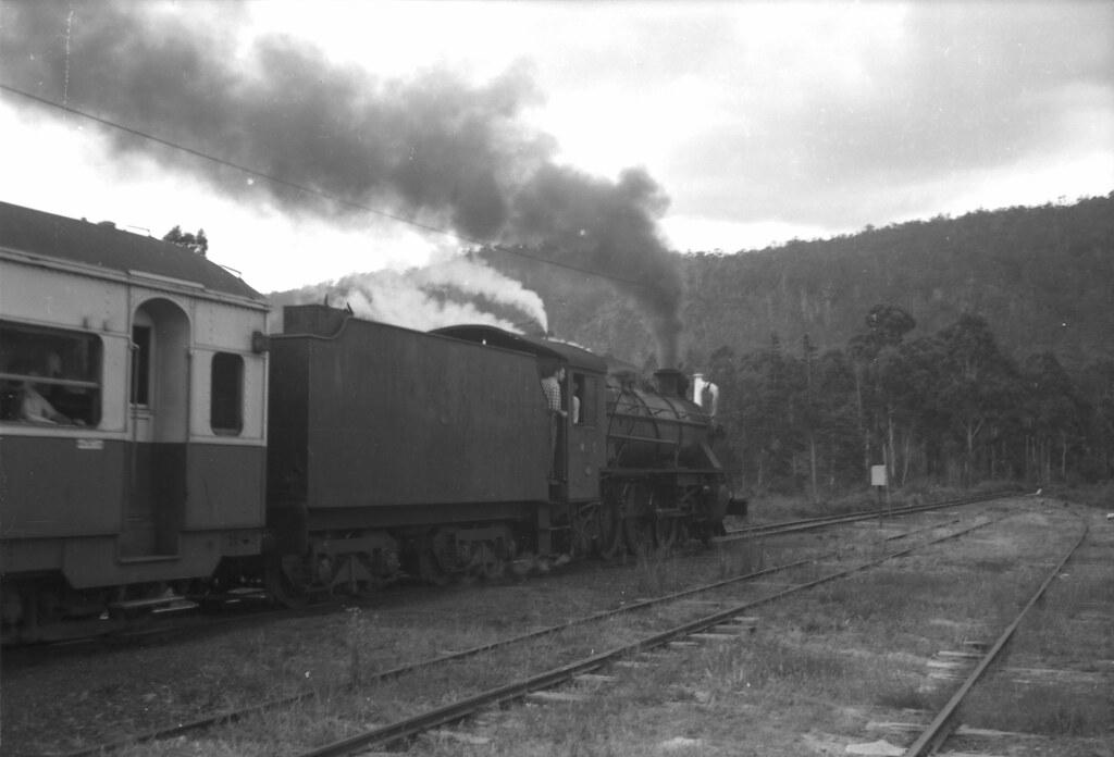 DL001_251 by Trainiac