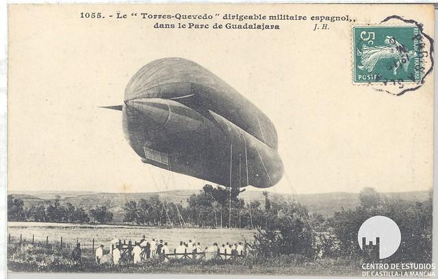 """Le """" Torres-Quevedo"""" dirigeable militaire espagnol dans le Parc de Guadalajara"""
