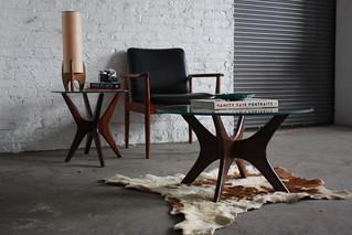 Expressive Adrian Pearsall MCM Walnut & Glass Coffee Table 891-TGR (Craft Associates, 1950's)