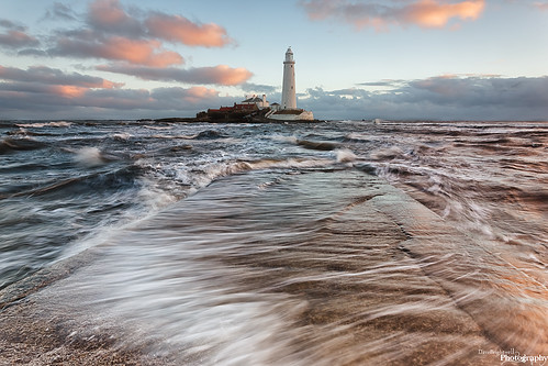 sea lighthouse seascape beach water sunrise canon coast rocks northumberland coastal northsea northeast hitech stmarys whitleybay davebrightwell