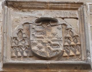 Úbeda (Jaén). Iglesia de San Pablo. Escudo eclesiástico
