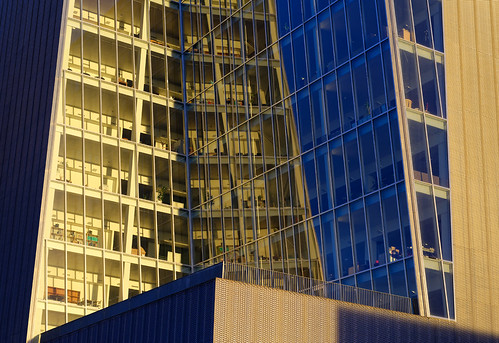 sunset building glass modern facade glow greenland d800 nuuk nuukcenter mfybestgreenland