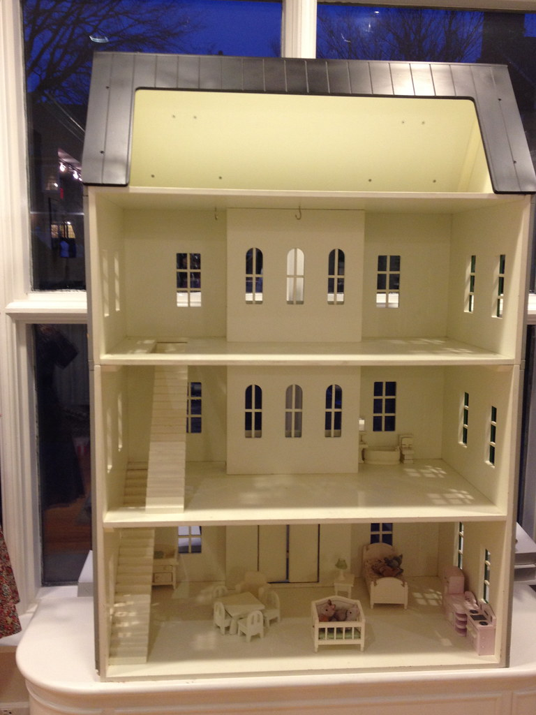 Victorian Dollhouse I Saw This In A Princeton Nj Kids