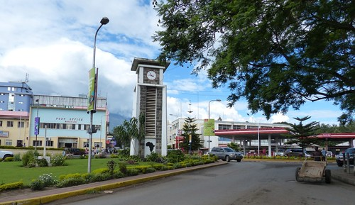 Arusha clocktower circle | by romanboed