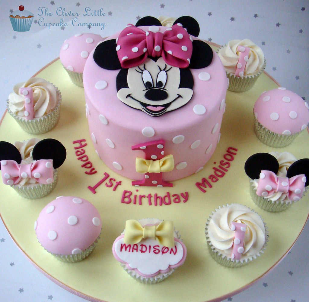 Fine Minnie Mouse 1St Birthday Cake With Matching Minnie Cupcak Flickr Personalised Birthday Cards Veneteletsinfo
