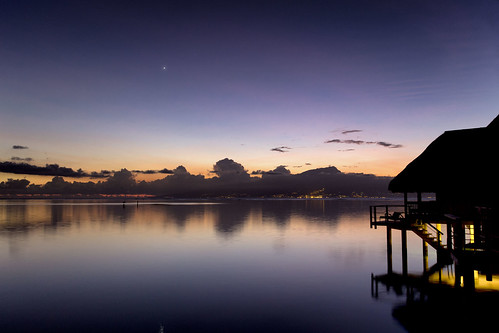 reflection water sunrise stars island dawn nightsky tahiti bungalow moorea frenchpolynesia