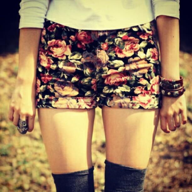 new styles 0b9d0 8a6c1 ...  photo  fashiongirls  fashion  tumblr  twitter  tuckedin  socks