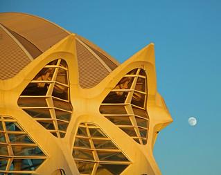 obra de calatrava y la luna