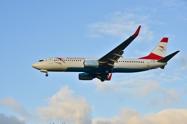 Austrian 737-800