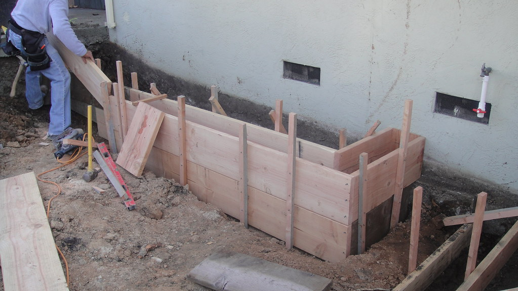 Wood Concrete Forms For Retaining Wall Oakland All Acc